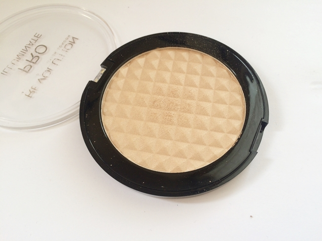 highlighter makeup revolution pro illuminate.JPG