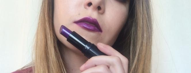 swatch makeup revolution atomic shade.JPG