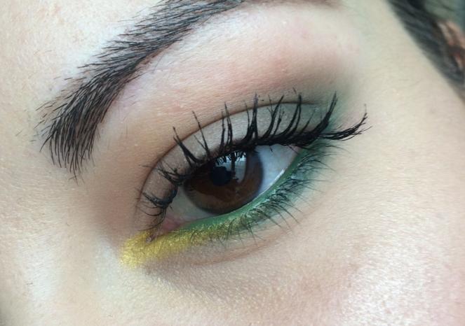 mekeup vert et jaune.JPG