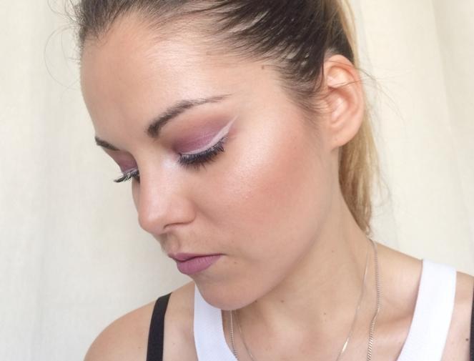 makeup mauve liner negatif.JPG