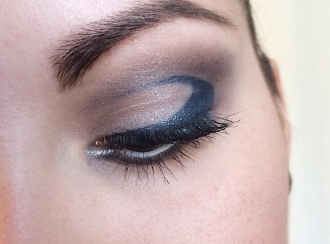 makeup eyes gris bleu eyeliner.JPG
