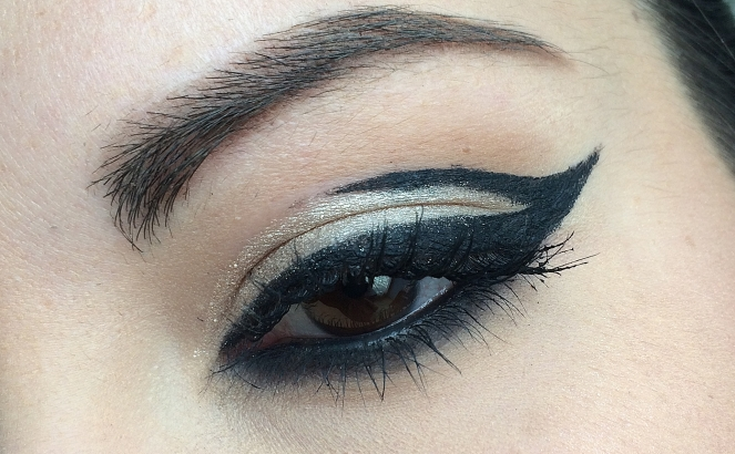 monday shadow challenge champagne liner.JPG