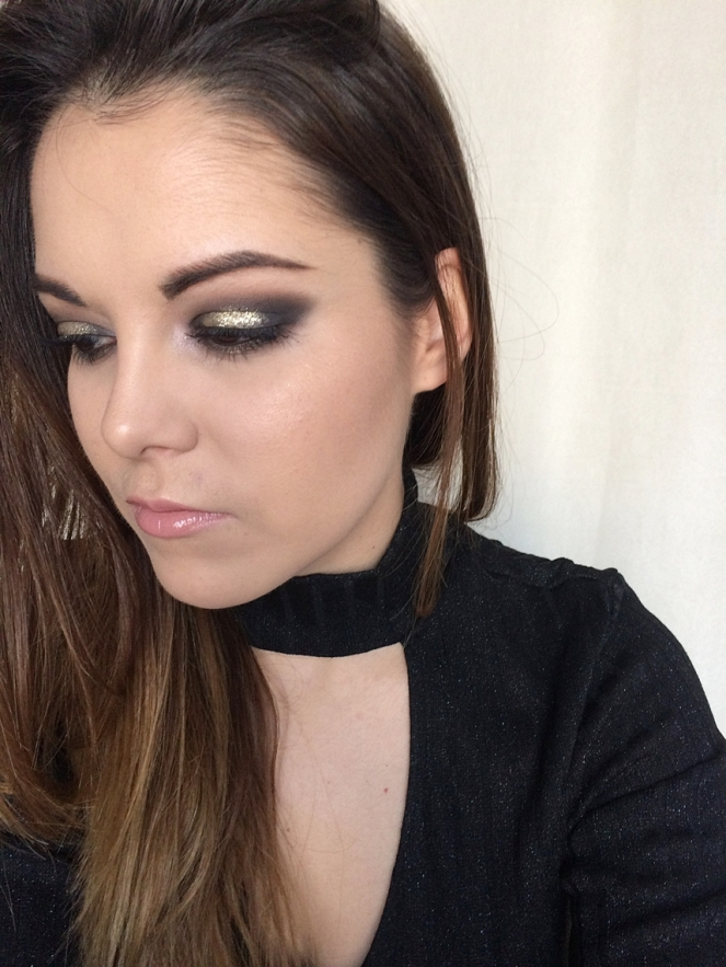 makeup black and gold glitter.JPG