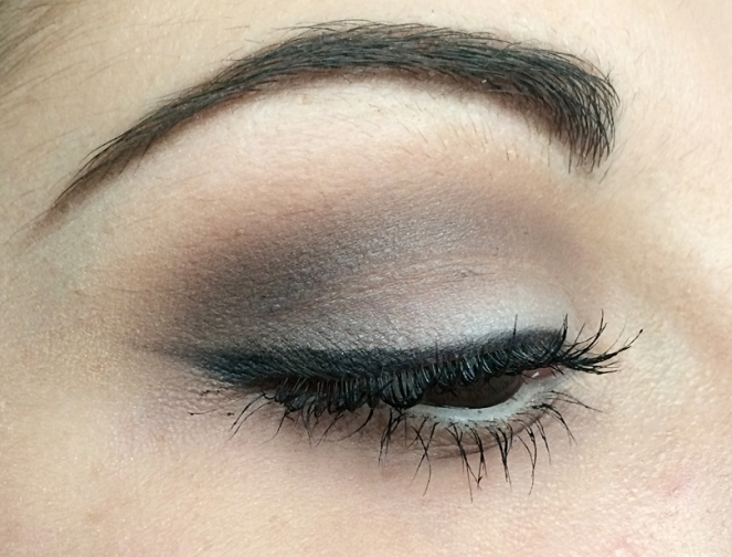 kat von d shade light eye contour makeup.JPG