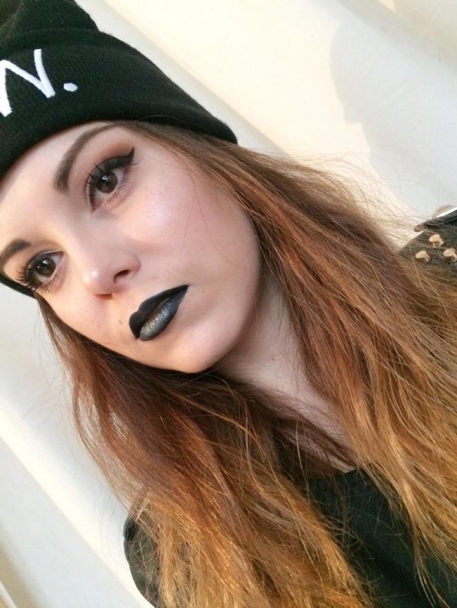 makeup black rock'n roll.JPG