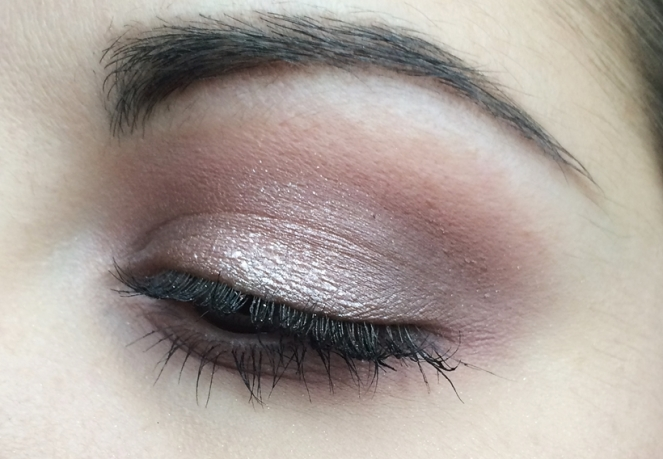 makeup naked 3 romantic.JPG