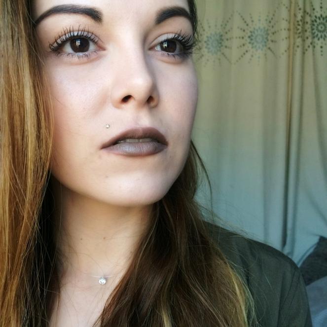 swatche-matte-lipstick-minx-nyx-2