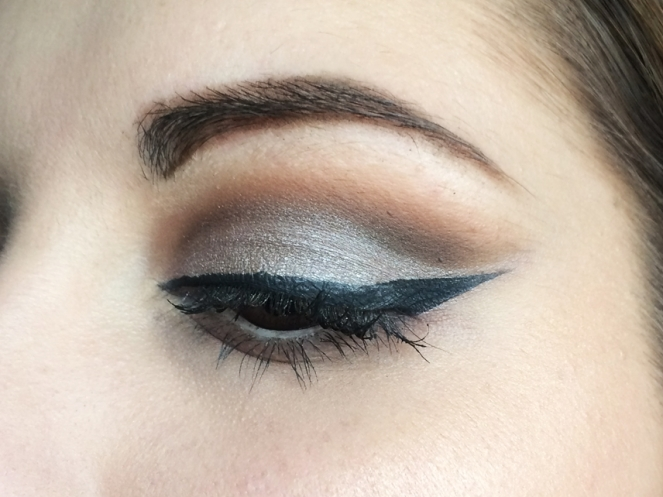 cut crease makeup shade & light eye kat von d mixed tape colourpop.JPG