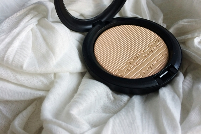 mac extra dimension skinfinish show gold highlighter.jpg