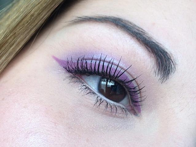maquillage violet lavande.jpg